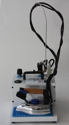 Strijkijzer met 2 liter stoomketel